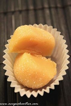 Yema Balls - A Simple, Yet Decadent Filipino Treat Made Of Egg Yolks and Condensed Milk. Yema is pretty much Dulce De Leche with a twist. Like any other Filipino recipe, everyone has their own version of this. Pinoy Dessert, Filipino Desserts, Asian Desserts, Filipino Recipes, Just Desserts, Dessert Recipes, Filipino Food, Pinoy Food, Filipino Dishes
