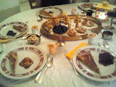 """2014-03-22 Hopping Dinner Zürich. Zum Dessert auf den Zürichberg zu """"Markus & Cecile"""". Dessert, Den, Events, Dinner, Breakfast, Food, Cooking Together, Meeting New People, Dessert Food"""