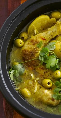Chicken with olives and candied lemons: discover the cooking recipes of Femme Actuelle Le MAG - cuisine - Tagine, Confort Food, Algerian Recipes, Food Porn, Chicken With Olives, Chicken Eggs, Cooking Recipes, Healthy Recipes, Exotic Food