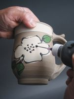 Ceramic Arts Daily – Slip Trailing for Beginners: A Primer on a Great Ceramics…