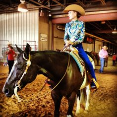 Horsemanship like the color of the hat
