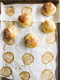 40-Minute Homemade Slider Buns - made these. Soo easy. Put in kitchen aid for 5 mins with dough hook instead of kneading.
