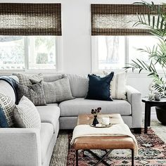 Liz Foster Interiors - California Living Room - Wohnzimmer Ideen Source by fairandfine Coastal Living Rooms, My Living Room, Living Room Interior, Home And Living, Living Spaces, Gray Couch Living Room, Barn Living, Ottoman In Living Room, Corner Sofa Living Room Small Spaces