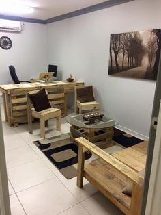 Computer Desk, Sitting Area with chairs and sofa - Pallet Office Furniture - #DIY   Pallet Furniture