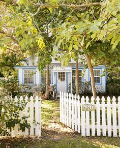 Inside the Happiest Little 1,375-Square-Foot Cottage  - CountryLiving.com