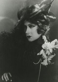 Gloria Swanson inQueen Kelly (1929)