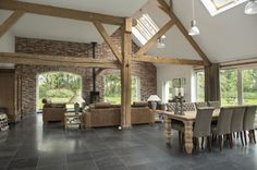 White walls with light wooden beams – Farmhouse Exterior Craftsman