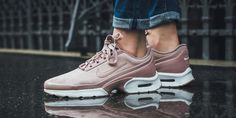 Particle Pink Covers The Latest Nike Air Max Jewell