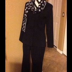 ALYN PAIGE DESIGNER SUIT GORGEOUS DESIGNER SASSY DRESSY NAVY BLUE PANTS SUIT,,,EXCELLENT CONDITION, GREAT FOR ANY OCCASION, WORK, TRAVEL,MEETINGS,GATHERING,CHURCH, INTERVIEWS, PARTY, SMOKE FREE HOME,,SCAF NOT INCLUDED Alyn Paige Jackets & Coats