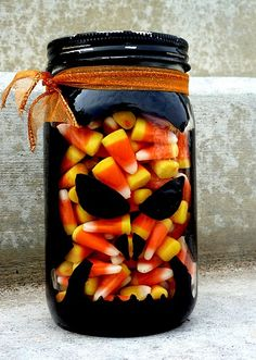 DIY Spooky Candy Jars~Hmmm, for someone's candy corn game at Halloween:) Spooky Halloween, Halloween Goodies, Halloween Skeletons, Holidays Halloween, Halloween Treats, Halloween Decorations, Halloween Projects, Halloween 2017, Happy Halloween