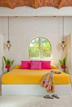 Que bella paleta de colores han utilizado en esta habitación.