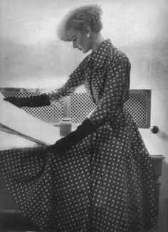 emariam: Christian Dior, from Vogue magazine, March 1949 issue scanned by me #EasyNip