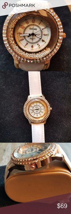 JUST IN🆕 Fashion Ladies Wristwatch *Crystal Diamond Rhinestone  *Beautiful Dress Quartz *White Leather band Accessories Watches