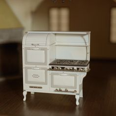 Who says size matters? Chris Toledo creates magnificent miniatures inspired by Spanish-style architecture. Watch his process, here! Style Architectural Showcase: I Build Small Things Dollhouse Miniature Tutorials, Miniature Rooms, Miniature Kitchen, Miniature Crafts, Miniature Houses, Miniature Furniture, Diy Dollhouse Miniatures, Miniature Dollhouse Furniture, Deco Originale