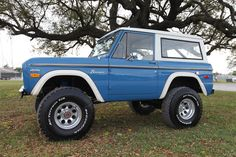 Early Classic Ford Bronco...351 Windsor - Bahama Blue - Built by Velocity Restorations