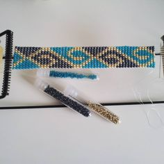 off loom beading techniques Bead Loom Bracelets, Beaded Bracelet Patterns, Bead Loom Patterns, Jewelry Patterns, Beading Patterns, Beaded Jewelry, Beading Ideas, Beading Supplies, Beading Techniques