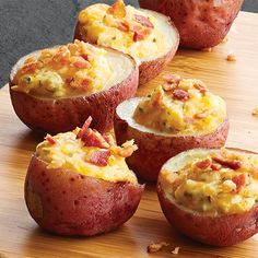 Cheesy Potato Bites: Creamy cheese, savory bacon and hot, fluffy potato... can you imagine a better bite of food? We can't, either! Best part--they come together in 15 minutes. Pampered Chef Recipes, Baker Recipes, Cooking Recipes, Cooking Ideas, Food Ideas, Creamy Cheese, Potato Recipes, Winter Food, Cooking Chef