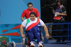 The man mountain that is Siamand Rahman.he attempted to lift 300Kg...the first human to do so.he failed but he lifter 297Kg, thats 70KG more than the able bodied lifter gold winner.The supporters were amazing, in fact so engrossed were we in his record attempt we nearly missed the start of the team table tennis competition