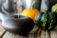 Cozy and cheerful, these essential oil blends remind you of the best autumn has to offer - spiced cider, crisp mountain air, gingerbread, vanilla lattes and more.