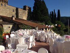 Bryllup i Italia. Italienske Bryllup tilbyr bryllup på dette vinslott i vakre Toscana.  www.italienskebryllup.no