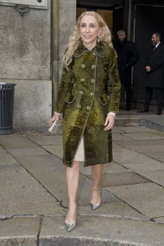 franca sozzani style: we call it iconic Mature Fashion, Girl Fashion, Fashion Design, Fashion Over Fifty, Italian Style, Italian Chic, Advanced Style, Oui Oui, Celebrity Look