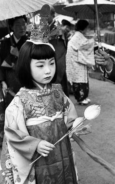 #50s #showa 1957年4月、高山・稚児行列。