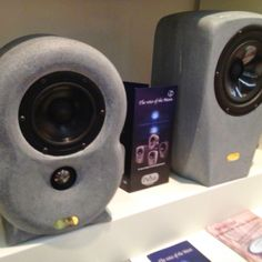 Speaker with stone cabinet from finland