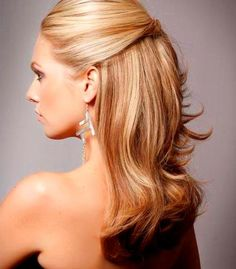 wedding hairstyles half up half down mom hairstyles half up half down red Mother Of The Groom Hairstyles, Bride Hairstyles For Long Hair, Chic Hairstyles, Latest Hairstyles, Short Hairstyles, Mother Of The Bride Hairdos, Bridesmaids Hairstyles, Teenage Hairstyles, Gorgeous Hairstyles