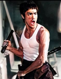 Amazing People, Good People, Bruce Lee Photos, Batman Art, Martial Arts, Badass, Buddha, Legends, Movies