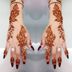 Latest Amazing Mehndi Designs For Parties Hello Guys! here you will see Latest Mehndi Designs with Amazing Patterns for your Hands and. Henna Hand Designs, Eid Mehndi Designs, Traditional Mehndi Designs, Mehndi Designs Finger, Khafif Mehndi Design, Arabic Henna Designs, Mehndi Designs For Girls, Modern Mehndi Designs, Mehndi Designs For Fingers