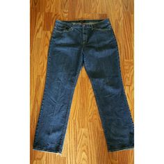 TALBOTS JEANS NWOT Jeans with 2 pockets in front  and back , button and zipper closure. 99% cotton  and 1% lyons or spandex Talbots Pants Trousers