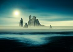 Fantasy landscape tutorial: how to blend images seamlessly in a dramatic montage