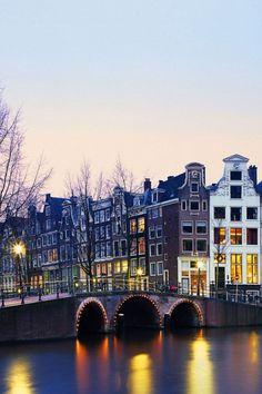 AmsterdamMobiles Wall
