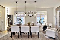 Białe mieszkanie z ciemnymi akcentami - wystrój wnętrz, wnętrza, zdjęcia