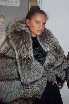 In Fashion Women S Watches Sable Fur Coat, Fox Fur Coat, Fur Coats, Coats For Women, Clothes For Women, Fabulous Furs, T Shirts Uk, Womens Fashion Online, Fashion Women