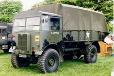 Panzerserra Bunker- Military Scale Models in scale: AEC Matador artillery tractor - case report Army Vehicles, Armored Vehicles, Dog Soldiers, Military Guns, Military History, Ww2 Photos, Mack Trucks, Tractor Parts, Commercial Vehicle