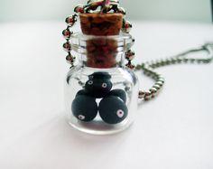 Miyazaki My Neighbor Totoro Black Soot Ball Mini Jar Necklace / Collier pendentif Totoro