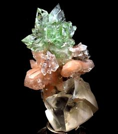 Crystals And Gemstones, Stones And Crystals, Natural Gemstones, Spiritual Decor, Mineral Stone, Crystal Grid, Rocks And Gems, Rocks And Minerals, Healing Stones
