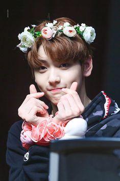[HQ] 190426 in fansign The Dream, Kpop, Fandom, Beautiful, Twitter, Handsome Boys, Taekook, Kdrama, Taehyung