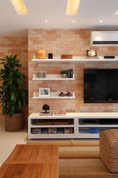 31 Superb And Stylish Living Room Decorating Ideas Living rooms Is A Place Where You Can Enjoy With Your Family. We Have A Wealth Of Decorating Ideas That You Would Like To Steal. Simple Living Room Decor, Elegant Living Room, Home Living Room, Deco Studio, Living Room Tv Unit Designs, Design Apartment, Tv Wall Design, Home Decor Hacks, Home Interior Design