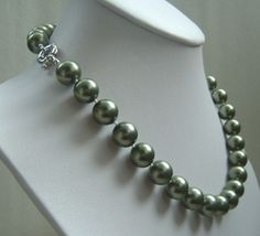 17'' 12mm sea green color sea shell pearls necklace