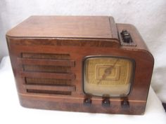 1947 ART DECO FARNSWORTH PUSHBUTTON WOOD TUBE RADIO MODEL AT 23 | eBay