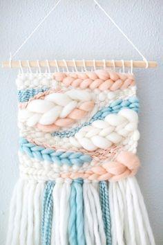 Weaving Loom Diy, Weaving Art, Tapestry Weaving, Hanging Tapestry, Diy Embroidery Patterns, Weaving Patterns, Weaving Projects, Macrame Projects, Textiles