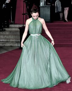 #DaisyRidley What a beautiful dress! #daisyridley The post Daisy Ridley Instagram What a beautiful dress! dai Daisy Ridley hot pic appeared first on AioInstagram.