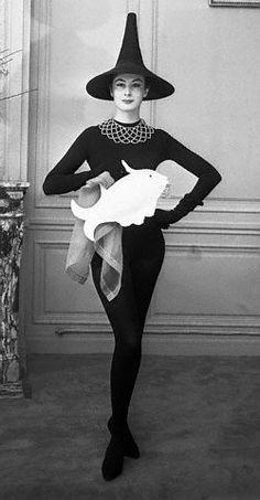 Jacques Fath hat, fish clutch - February 1955 #millinery #judithm #hats