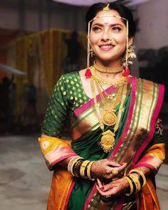 Bridal Hairstyle Indian Wedding, Indian Wedding Bride, Indian Bridal Outfits, Indian Bridal Fashion, Wedding Updo, Marathi Bride, Marathi Wedding, Saree Wedding, Marathi Saree