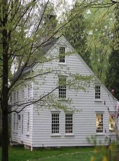 Century New England Saltbox style house with a lean-to on the back. Our original house built in 1789 is like this with the original log exposed. Then the additions were put on in the early Saltbox Houses, Old Farm Houses, Primitive Homes, Roof Styles, House Styles, Modern Farmhouse, Farmhouse Style, White Farmhouse, Farmhouse Decor