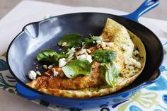 Shake up your weeknight meal routine with this vegetarian leek, spinach and feta omelette!