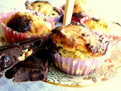 lemon muffins with chocolate  http://recepty-s-anabelou.blogspot.sk/2013/08/citronove-kolaciky.html