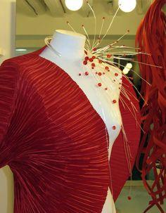 Bolero - Wearable artist Gualti has a small shop near Campo San Barnaba in Venice where you can find very unique hand-crafted fashion, jewlery, and accessories.